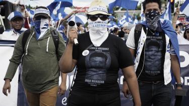 Rubén (th.) er blandt de unge nicaraguaner, der kæmper imod præsident Ortegas styre, som de kalder korrupt og autoritært.