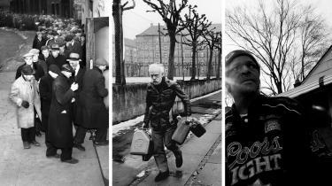 Tre økonomiske kriser inden for de sidste 100 år: Mænd står i kø til brød i Brooklyn under Depressionen, en ældre mand påStrandvejen under Oliekrisen og 59-årige Willy Carter, et af de mange mennesker, der mistede sit hus på tvangsauktion efter Finanskrisen. De to første kriser gav anledning til ny økonomisk tænkning, men selvom der nu er gået ti år siden Finanskrisen, har det ikke givet anledning til et opgør meden forældet mainstreamøkonomi,siger denitalienske økonom Alessandro Vercelli.