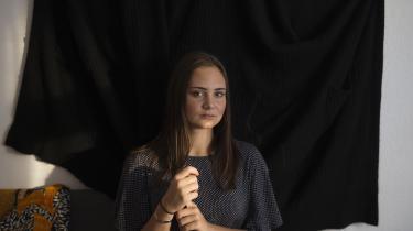 Produktionsskoleelev Emma Leonora Heide savner et pusterum fra det faglige pres.