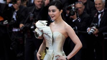 Den kinesiske skuespiller Fan Bingbing er centrum for den største skandale i den kinesiske underholdningsindustri i nyere tid.
