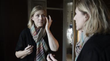 Anette Benedikte Paisol fik tilbudt kølehættebehandling mod hårtab, da hun var kræftpatient på Nordsjællands Hospital. For hende betød det rigtig meget, at hun kunne beholde sit hår, og derfor har hun sammen med to andre kvinder startet en gruppe, der har til formål at udbrede behandlingen til flere hospitaler.