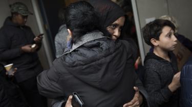 I oktober 2013 indrejste den 24-årige somaliske kvinde Ifrah Mohamud til Danmark, og i maj 2015 blev hendes mand, Salah Ahmed, og parrets seks børn familiesammenført og fik opholdstilladelse. På trods af atIfrah Mohamuds sag ikke er endeligt afgjort, har Udlændingenævnet nu inddraget hendes families opholdstilladelse. Det fik borgere på gaden i protest.