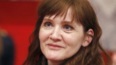 Dialogerne løfter Auður Ava Ólafsdóttirs roman om en mand, der vil dø. Den rummer øjeblikke af sensibilitet og intimitet