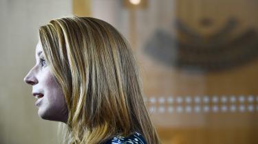 Centerpartiets leder, den 36-årige Annie Lööf, topper listen over svenske politikere med høj troværdighed. Selvom partiet kun fik godt otte procent af stemmerne, sidder det i en nøgleposition, der kan sikre flertal til begge sider i den svenske Riksdag.