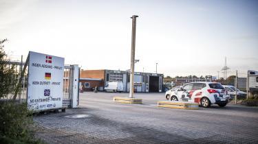 Fagforeningen 3F afslørede kummerlige arbejdsforhold forchaufførerfra Sri Lanka og Filippinerne ved vognmandsvirksomhedenKurt Beier Transport A/S'domicil i Padborg.