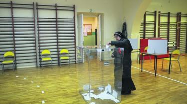 Stemmetallet til lokalvalget blev imponerende højt i en polsk kontekst, 55 pct. i første runde, men de ekstra stemmer gik overvejende til oppositionen.
