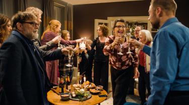 Paprika Steens julekomedie, 'Den tid på året', skildrer gruppedynamikker og fastlåste familieroller, som vil være velkendte for de fleste.