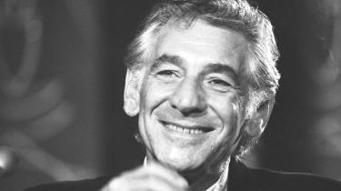Leonard Bernsteins musik er skønhed og ekstase, og det er i hans egen musik, vi har budskabet fra musikpersonligheden, der i år ville være fyldt 100, bedst bevaret. Kapellet fejrer ham med medrivende Broadway i Operaen
