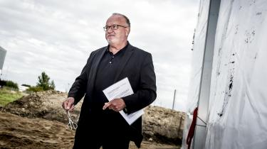 Den tidligere overborgmester Jens Kramer forlader sin post som direktør for byudviklingsselskabet By og Havn med en fyreseddel og et gyldent håndtryk. Måske skulle han bøde for grådigheden ved at donere pengene til byens hjemløse …? Nåh nej, det har han jo forsøgt før med ringe held