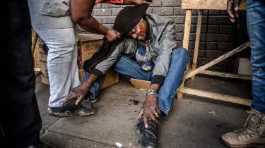 Zimbabwerne er fortsat udsat for ZANU-PF's undertrykkelse og magtbrynde. I dagene efter valget tidligere i år skød soldater skarpt mod en ophidset folkemængde. Seks blev dræbt og flere såret, herunder en del tilfældige forbipasserende.