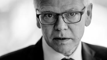 Han har været departementschef i flere ministerier og direktør i Dansk Industri i snart otte år. Nu står Karsten Dybvad til at skulle overtage posten som bestyrelsesformand i Danske Bank, der står midt i en stor tillidskrise. Information tegner et portræt af en mand, der går op i ligestilling og beskrives som ordentlig og hæderlig – og en lille smule kedelig