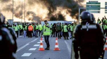 Demonstranter på ringvejen den for Caen i Nordvestfrankrig.