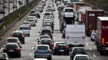 Klimarådet er i sin rapport især kritisk over for regeringens indsats på transportområdet. Regeringen vil udfase benzin- og dieselmotorer efter 2030, men har ikke mange konkrete bud på, hvordan udledningerne fra transporten reduceres inden 2030, lyder det.