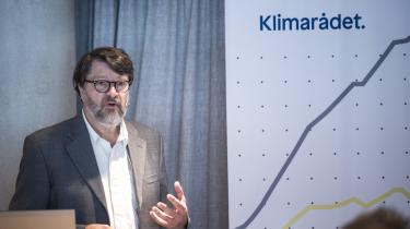Klimarådets formand Peter Birch Sørensen præsenterede fredag den årlige statusrapport, som konkluderer, at det går den forkerte vej med den danske klimaindsats, og hvis politikerne ikke gør noget drastisk, vil Danmark ikke kunne leve op til målene i Parisaftalen.