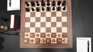 Verdensmesteren i skak skal findes i onsdagens omkamp, og det bliver sent, inden vi ved, om det ender med norske hurraer eller hybris