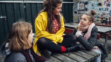 Mira Lindstrøm, Hanne Docter Gizani Søndergaard og Emilie Sandholdt Paulsen fra Vesterbro Ny Skole strejker alle tre fra skole fredag den 30. november, fordi de mener, at klimaforandringerne ikke bliver taget seriøst nok.