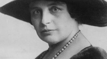Agnes Henningsen var ligefrem, altid ærlig, men set med nutidens øjne går hun med intet mindre end lidenskabelig selvopofrelse patriarkatets ærinde.