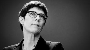 Annegret Kramp-Karrenbauer vandt fredag formandsposten i CDU. Den katolske jurist står for kontinuitet – men det er langtfra kun en styrke i et parti, der hungrer efter opbrud
