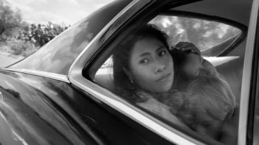 Den 24-årige Yalitza Aparicio som Cleo i Alfonso Cuaróns 'Roma'.