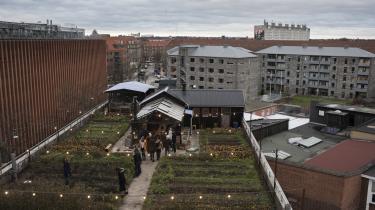 Drivhuset på taget bruges til planteproduktion, restaurant og arbejdsrum. Grøntsagsmarken bliver blandt andet brugt til foredrag, rundvisninger og kurser for skoleklasser om økologisk dyrkning og landbrug.
