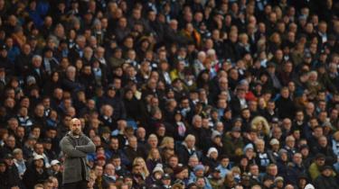 2018 vil blive husket som året, hvor nogle af spillets største aktører blev grebet i fup og svindel – men også for den spektakulære fodbold, vi fik at se på grønsværen. Intet sted var denne dobbelthed tydeligere end i Manchester City