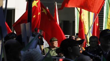 Andelen af taiwanere, der er tilhængere af en tættere politisk integration med Folkerepublikken Kina, er de seneste to år steget fra 15 til 26 procent, og prokinesiske demonstrationer som her er ikke et særsyn i Taipei.