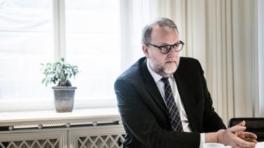 Kort efter sin tiltræden som klimaminister i 2015 holdt Lars Christian Lilleholt et møde med Klimarådets daværende formand, Peter Birch Sørensen. Ministeren udtrykte her sin utilfredshed med, at rådet havde tænkt sig at holde V-regeringen op på et flertal i Folketingets mål om at opnå en 40 procents reduktion i Danmarks udledning af CO2 i 2020. Sidenhen, da Venstre forhandlede regeringsgrundlag med K og LA, forsøgte V angiveligt at få rådet lukket.