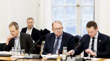Klimaminister Lars Christian Lilleholt har flere gange forklaret udskiftningen af Klimarådets formand med, at regeringen ønskede en formand med en mere »markedsorienteret tilgang« til den grønne omstilling. På torsdagens samråd medgav han, at politisk overbevisning også spiller ind på valget af formand.