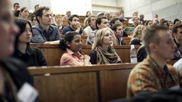 Ny forskning viser, at uærlige studerende søger mod højbetalte brancher som eksempelvis finanssektoren.