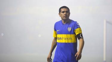 Juan Román Riquelme var måske den sidste traditionelle 10'er, der lå højt op på banen og fordelte bolde. Og trods hædersprisninger havde han da også svært ved at finde sin rolle hos FC Barcelona, før han ad omveje vendte tilbage til Boca Juniors.