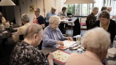 Socialdemokratiets forslag om en differentieret pensionsalder er ikke den rigtige løsning for de ældre og nedslidte. Man bør hellere gøre noget ved arbejdsmiljøet, indføre gradvis tilbagetrækning, flere seniorjob og nedsættelse af arbejdstiden.
