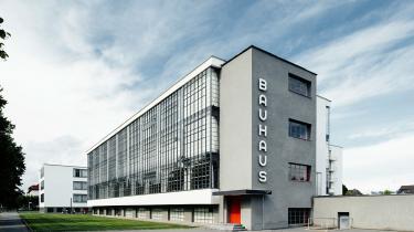 Walter Gropius' ikoniske Bauhaus-skolebygning i Dessau huser i dag fonden Stiftung Bauhaus Dessau og er optaget på UNESCOs verdensarvsliste.