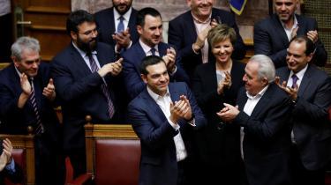 På trods af folkelige protester og anklager om forræderi godkender Grækenlands parlament aftale, der begraver betændt navnestrid. Det kan åbne Europas døre for landet, der nu skal hedde Nordmakedonien
