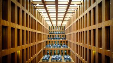I 2017 annullerede flere tyske universiteter, heriblandt Humboldt University i Berlin (billedet) deres kontrakter med de store videnskabelige tidsskrifter som Elsevier i protest imod priserne.