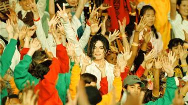 Michael Jackson optræder i Super Bowls half time show i 1993.
