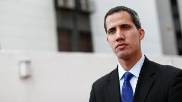 Det spidser til i weekenden i Venezuela, hvor oppositionsleder Juan Guaidó opfordrer til massive protester imod det siddende styre. Samtidig fortsætter USA og EU med at lægge pres på præsident Maduro, der nægter at udskrive nyvalg