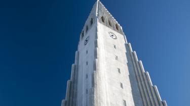 Hallgrimskirkja iReykjavik eropkaldt efter digteren og sognepræstenHallgrímur Pétursson. Han skabte udødelige klassikere i nordisk poesi for mere end 350 år siden.