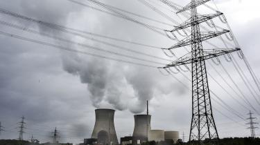 Regeringen bør sige klart til den tyske regering, at den skal udfase kul hurtigere, åbne sit elmarked for vindmøllestrøm og investere mere i sit højspændingsnet