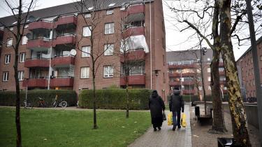 En sagsbehandleren fra Teknik og Miljøforvaltningen i København har undersøgt, om man må diskriminere boligsøgere med anden etnisk baggrund for at forhindre, at flere boligområder i København udpeges som udsatte områder eller kommer i kategorien 'hård ghetto'.
