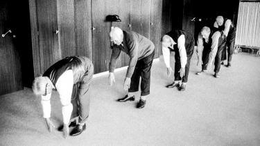 Pension handler om mere end nedslidning. Den handler også om det gode liv, retfærdig byrdefordeling og solidaritet. Det gjorde det også, da denne gruppe ældre mænd gjorde gymnastik i De Gamles By i København i 1962 – fem år efter vedtagelsen af loven om folkepension.