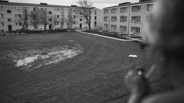 Der blev gjort fund af asbest i bebyggelsen i Tingbjerg, men beboerne blev ikke genhuset, og en række af dem har nu lagt sag an mod boligselskabet FSB. Der er afgørelse i sagen mandag den 4. marts.