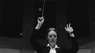 Med den bemærkelsesværdige Susanna Mälkkis visit i Koncerthuset i sidste uge oplevede man, hvor upåfaldende en kvindelig orkesterleder kan skabe store resultater med venlig autoritet, suveræn slagteknik og nå ja, en generals overblik.