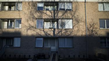 37 beboere fra Tingbjerg idet nordvestlige København fortsatte i sidste uge i Københavns Byret deres kamp for kompensation, efter at deres almene boligselskab, FSB, ikke genhusede dem under en indgribende renovering, der blandt andet indebar en skimmel- og asbestsanering.