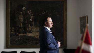 »I princippet synes jeg, at der skal være forskel på, om man er dansk statsborger, eller om man ikke er dansk statsborger,« siger Martin Henriksen (DF).