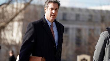 Det indgik i Michael Cohens jobbeskrivelse, at han skulle true alle, der kom i vejen for hans chef. Af samme grund løj han for kongreskomiteer, betalte prostituerede for ikke at fortælle om deres affærer med Trump, skriver Ian Buruma.