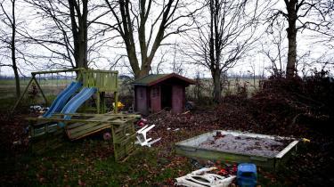 For mens de rigeste danskere er ved at stikke af fra resten af samfundet, så er antallet af børn, som vokser op i fattigdom, nærmest eksploderet.