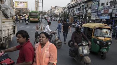 Hvad betyder en service som Uber for en udviklingsøkonomi med en stor arbejdsstyrke i den uformelle sektor? Jo, bl.a. at det er sværere for nytilflyttere at komme ind på markedet for persontransport, f.eks. med autorickshaw.