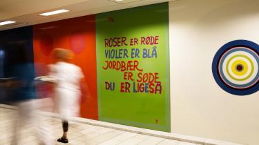 Herlev Hospital udsmykket af kunstneren Poul Gernes.