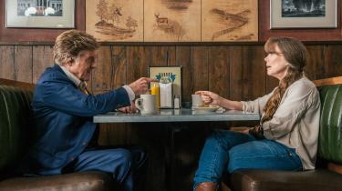 Robert Redford og Sissy Spaceksbittersøde møder er en udsøgt fornøjelse i David Lowerys 'Den sidste gentleman'. Det er synd, at de to ikke har lavet en film sammen før nu.