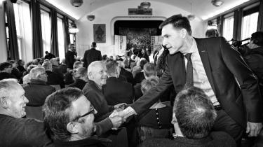 Dansk Folkepartis formand synes at have mistet sin fingerspidsfornemmelse for folkedybet. Her ses han forud for et debatmøde i Aabenraa med Nye Borgerliges formand Pernille Vermund.